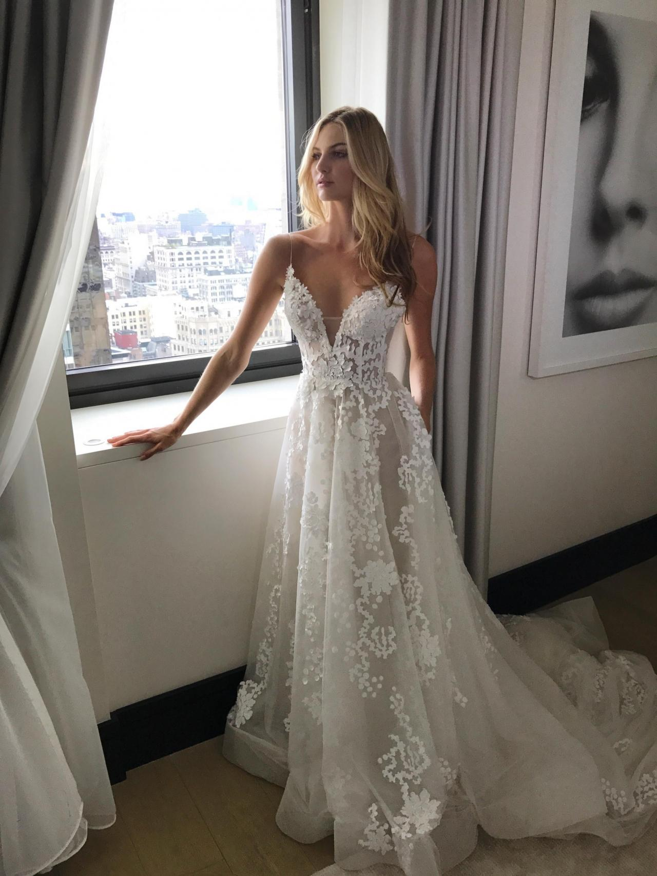 2017 Custom Made White Lace Wedding Dress y Spaghetti